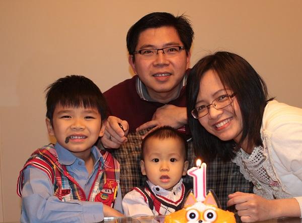 Pdt Rustam Krisnadi Family